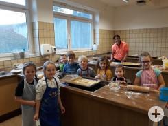 Weihnachtsbäckerei Klasse 1-2a Bösingen
